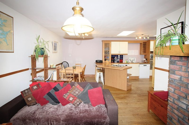 An Cuan, Holiday Home in Carraroe Co. Galway, location de vacances à Rosmuck