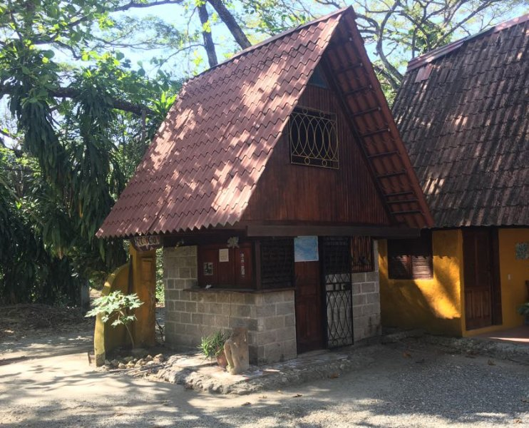 Mini Cabina - The Howler Monkey Hotel, holiday rental in Montezuma