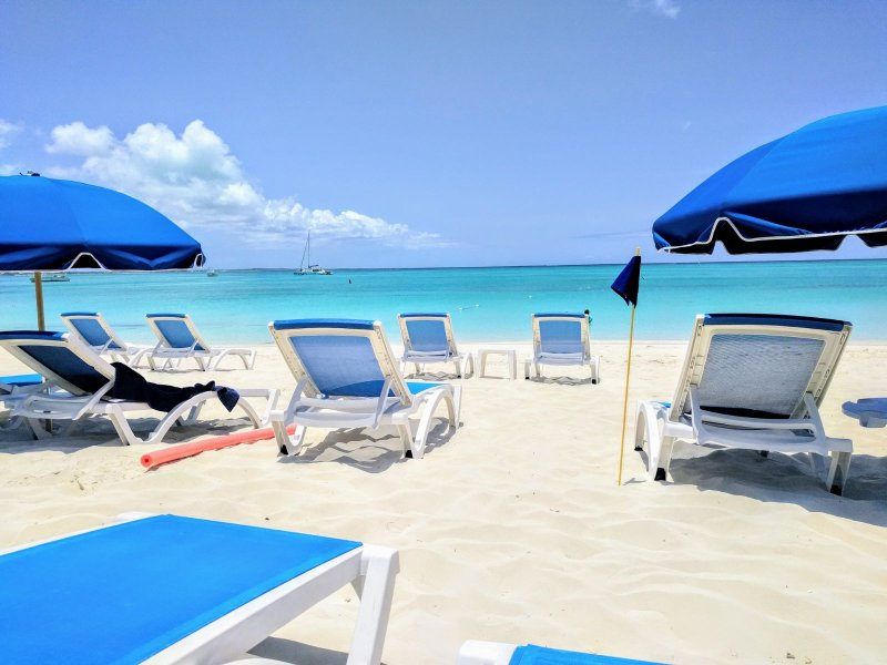 5*Voted Best Beach Ocean view Suite up to 60% off !, holiday rental in Providenciales