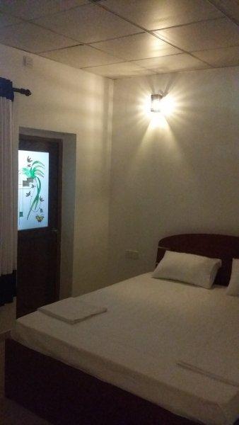 Holiday Inn - Nindana, vacation rental in Hiniduma