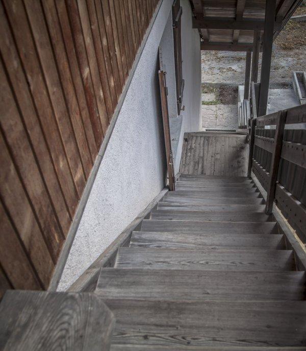 Scala esterna di accesso all'appartamento in mansarda