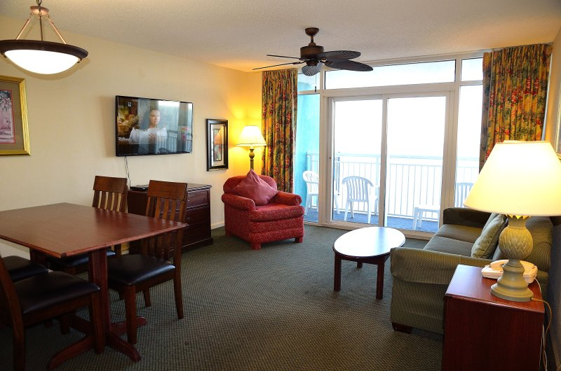 NEW: Gorgeous, Spacious Direct Oceanfront 2Br/2Ba At Atlantica Resort Phase 3, alquiler vacacional en Myrtle Beach