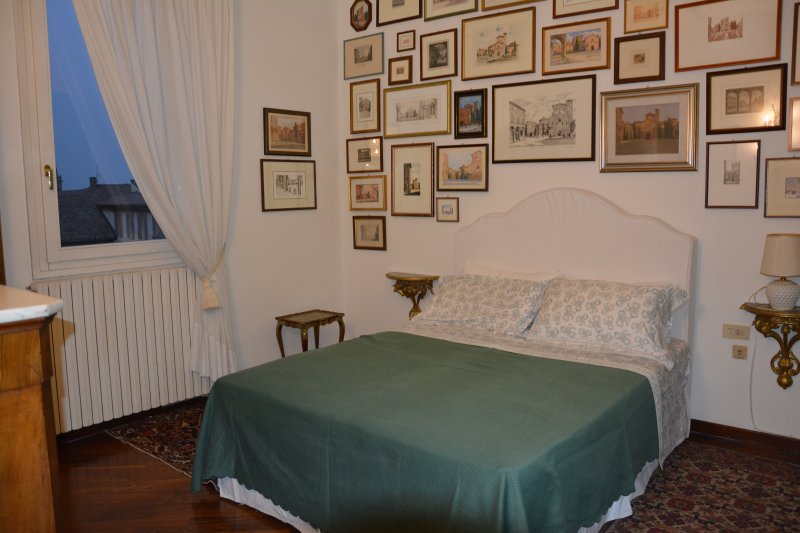 Double bedroom, collection of paintings and prints depicting the Basilica of St. Stephen