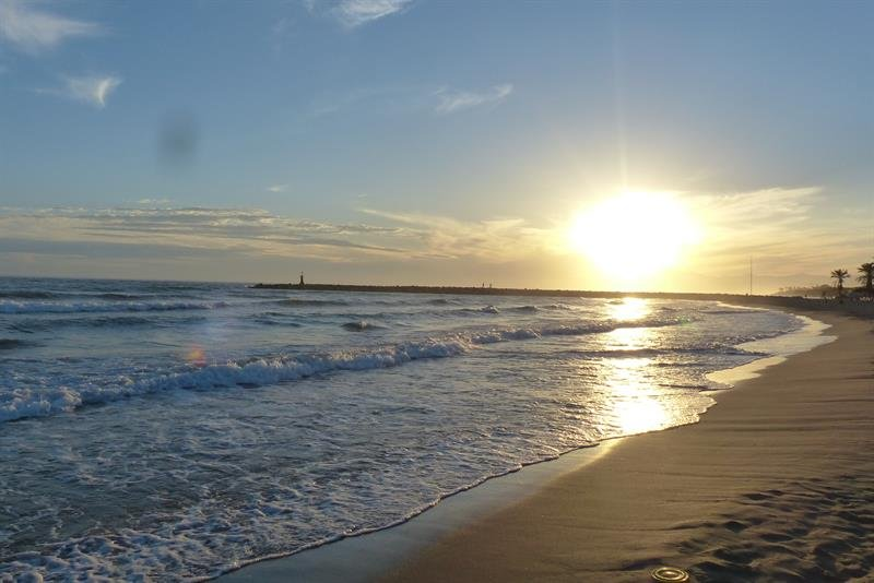 Cabopino beach, only a 5 minutes drive away.
