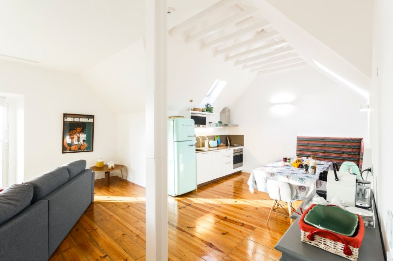 Chalet Estoril - The Refined Edition, holiday rental in Joao do Estoril
