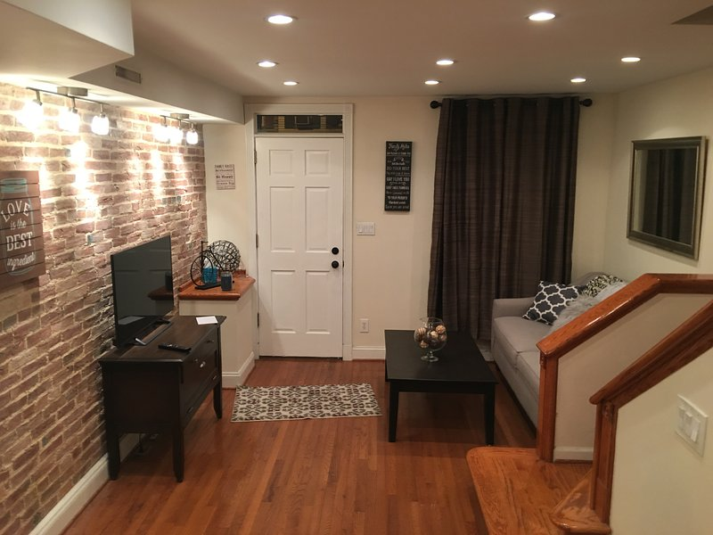 Fell's Point/ Canton Area Classic Row House, holiday rental in Edgemere
