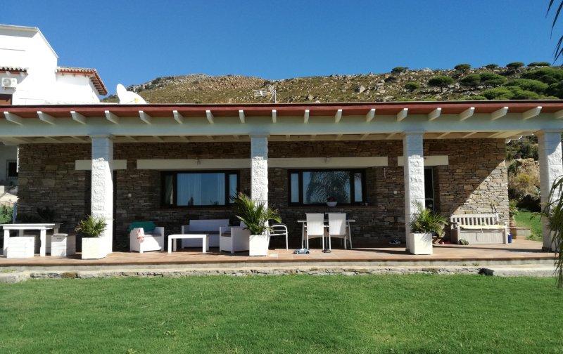 Modern rustic house in Tarifa front of beach Valdevaqueros, holiday rental in Tarifa