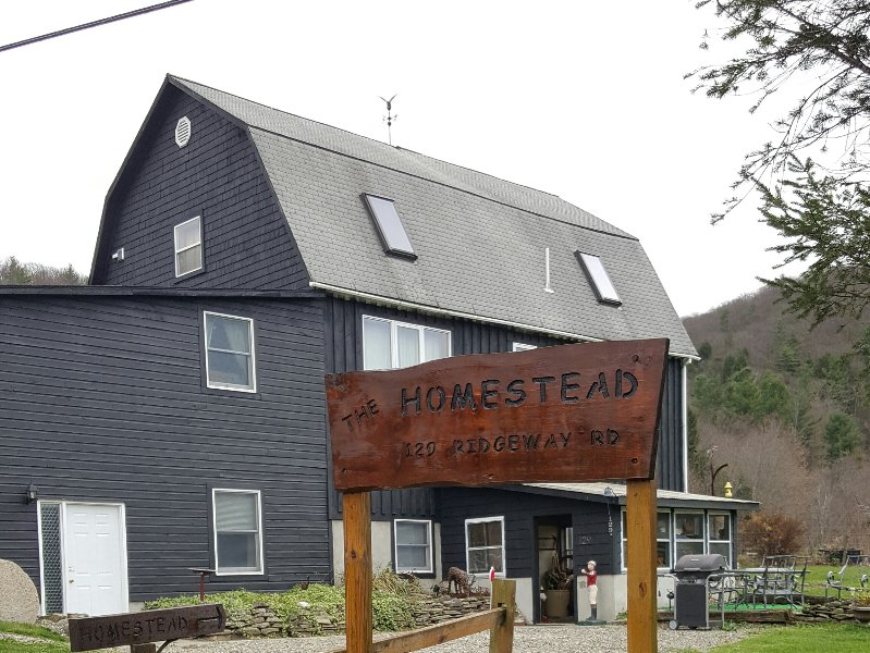 The Homestead - Private Suite,Cornell,Ithaca, B&B, location de vacances à Spencer