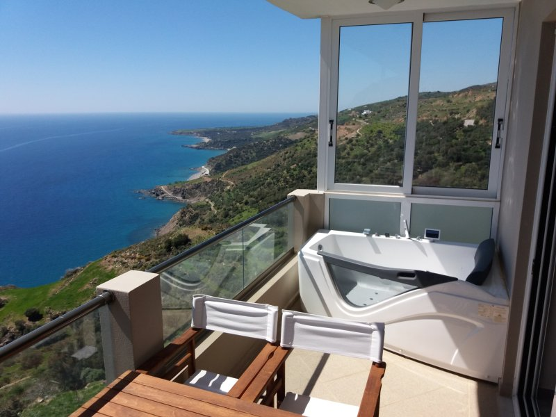 Apartment with shared pool, holiday rental in Frangokastello