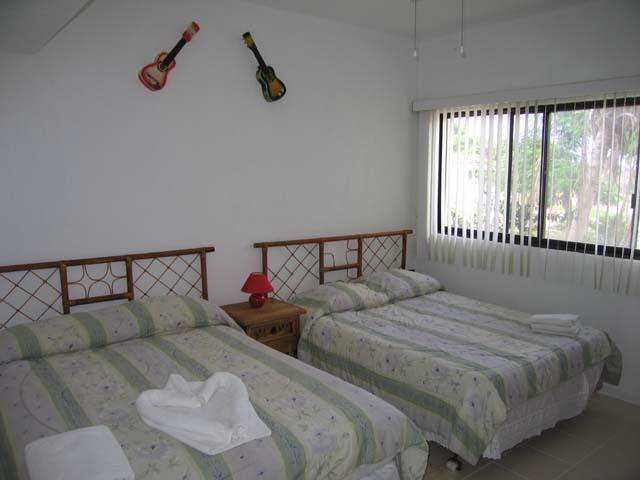 Deuxième chambre avec deux lits doubles