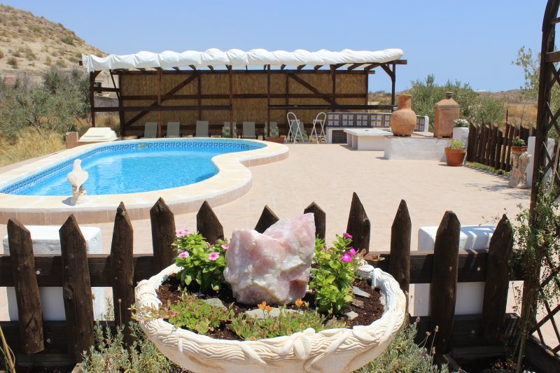 Cave houses sleeping up to twelve people. Ideal for groups or families., holiday rental in Lorca