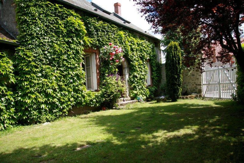 Gîte Suzanne (35 minutes de Fontainebleau) - 10 couchages, aluguéis de temporada em Yevre-la-Ville