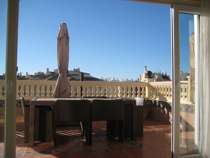 Espectacular Atico en Puerto Marina, holiday rental in Arroyo de la Miel