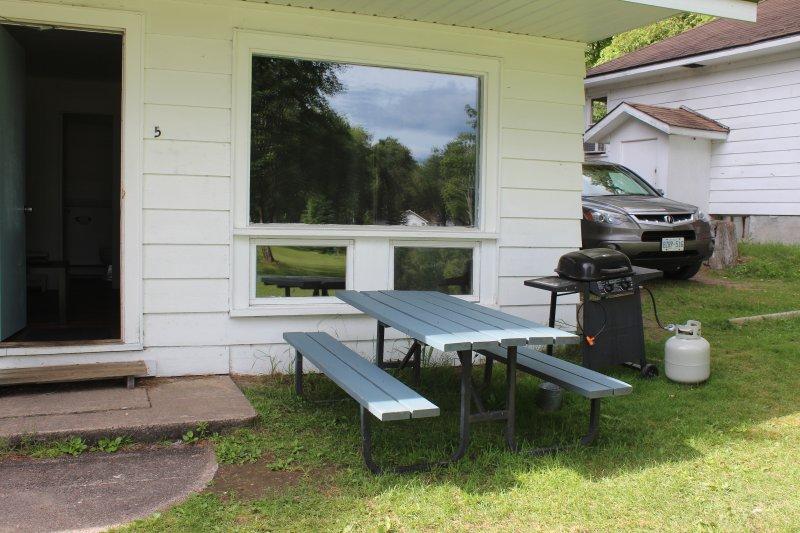 mesas de picnic para comer fuera