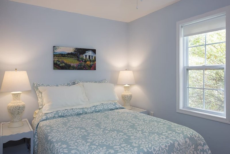 The Little House at Shade Tree Cottage, holiday rental in Gordonsville