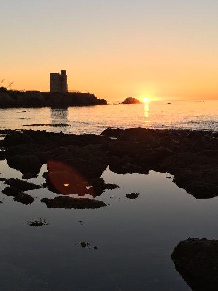 Sun rise on Playa Ancha La Sal