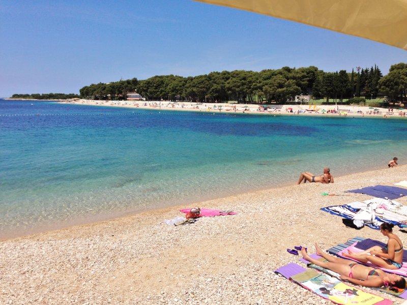 L'une des plages de Primošten