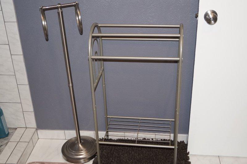 Salle de bain # 2 Super endroit pour accrocher vos serviettes.