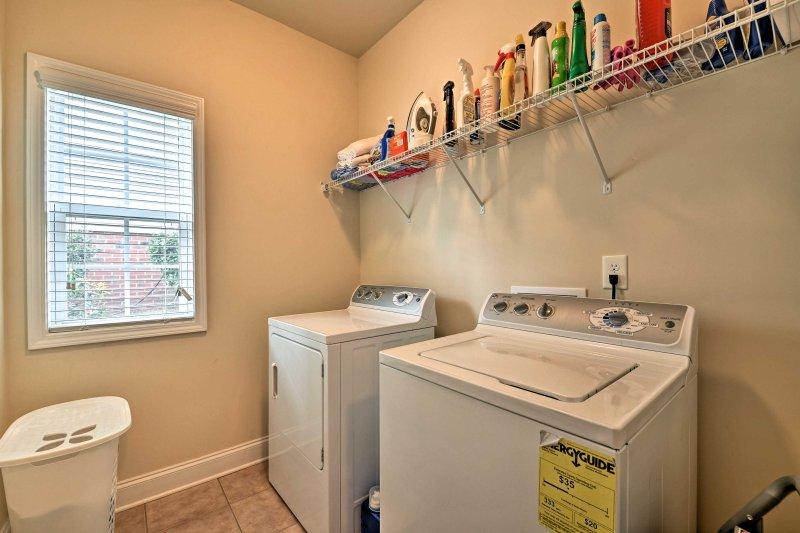 Mantenha as suas roupas limpas com as máquinas de lavar roupa em unidades.
