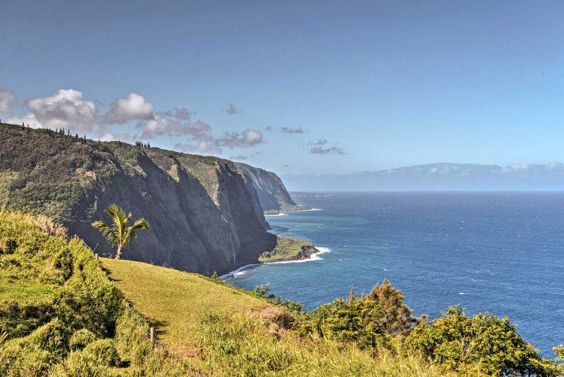 La vue imprenable sur la falaise vous coupera le souffle.