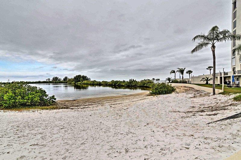 Las subvenciones del Golfo Island Beach & Tennis Club acceso a una playa privada!