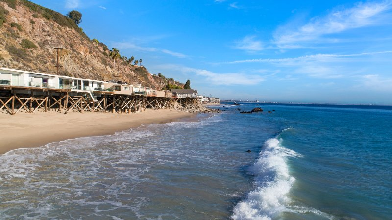 Malibu Beach Modern Escape Has Air Conditioning And Cable