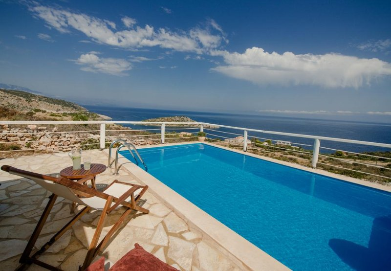 Orfos 2BR Villa in Agios Nikolaos Zante, holiday rental in Varvara