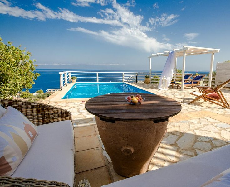 Orfos 3BR Villa, Agios Nikolaos Zante, vacation rental in Volimes
