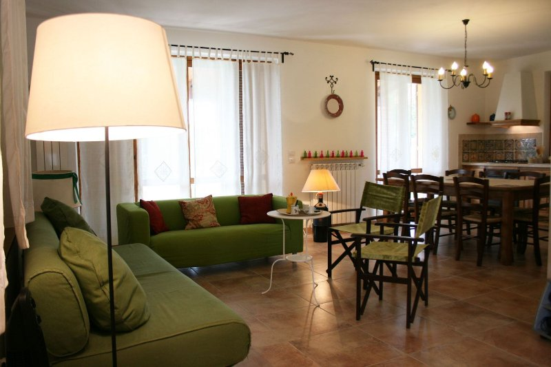CASA CLEMENTINA, holiday rental in Lucignano