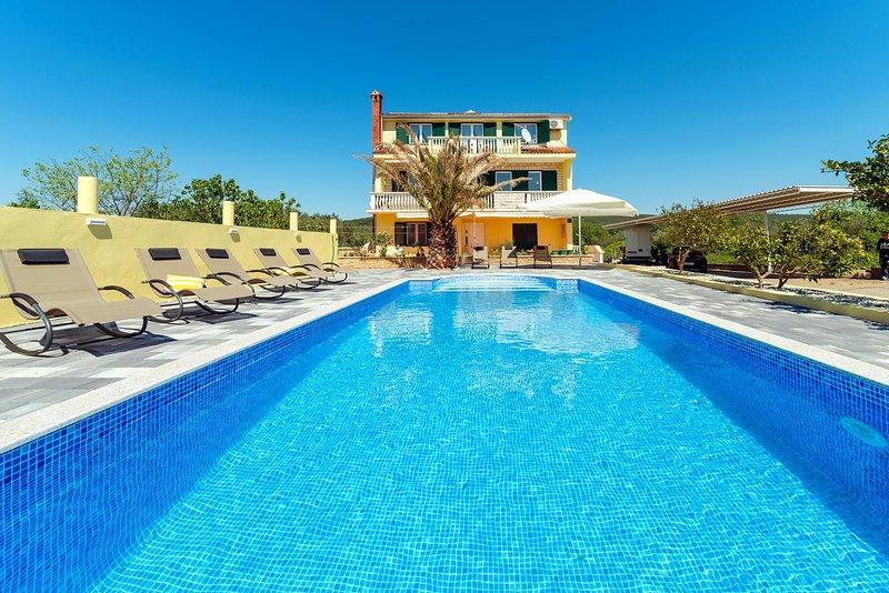 Four bedroom apartment Bibinje, Zadar (A-6121-a), vacation rental in Bibinje
