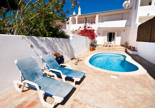 Vale do Garrao Villa Sleeps 4 with Pool and Air Con - 5607818, holiday rental in Vale do Garrao
