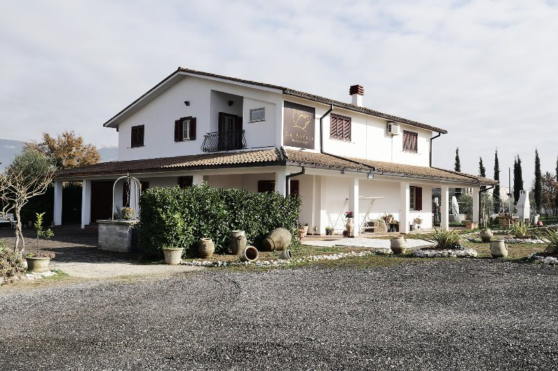 Bed and Breakfast - Le Anfore - Stanza 1, vacation rental in Piedimonte San Germano