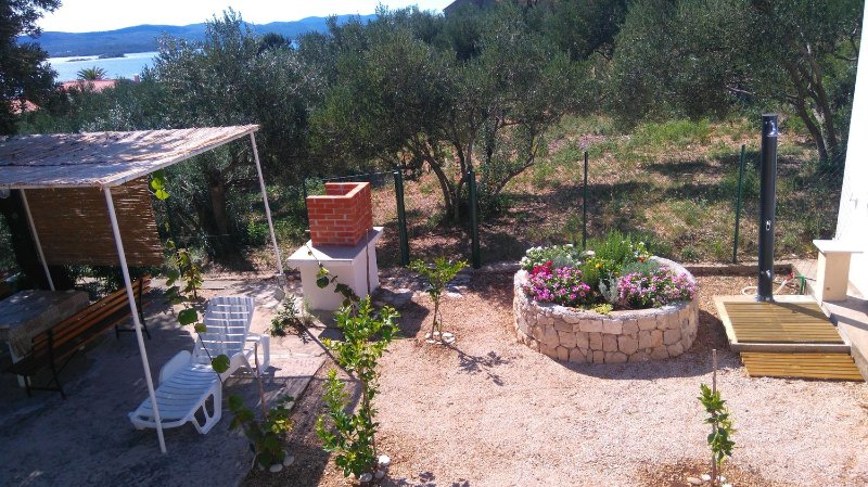 Podstup Holiday Home Sleeps 4 with Air Con - 5471054, vacation rental in Stankovici