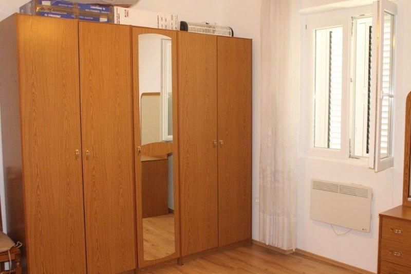 Habitaciones 2, Superficie: 16 m²