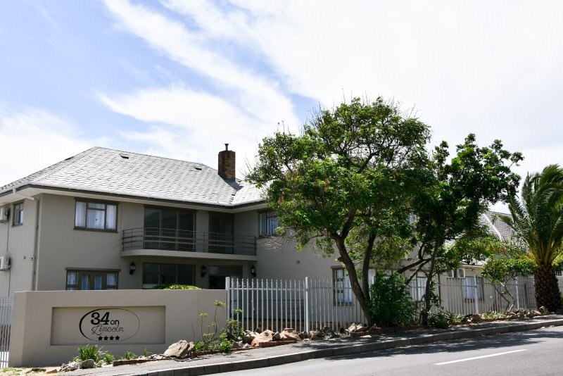 34onlincoln Guesthouse, vacation rental in Table Mountain National Park