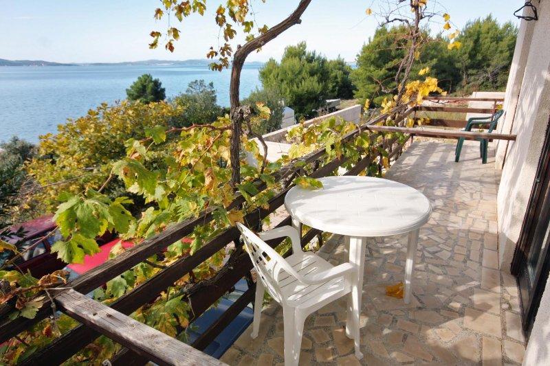Podvrslje Apartment Sleeps 12 - 5459267, holiday rental in Sveti Petar na Moru