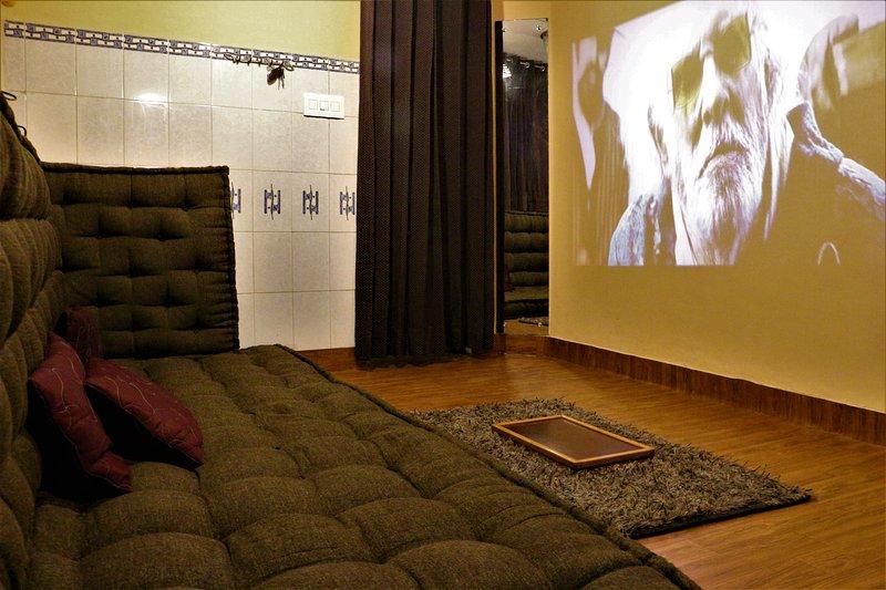 Cinema Hall in Bedroom, vacation rental in Janakpuri