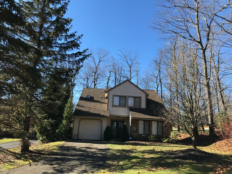1751 Greenfield Drive, vacation rental in Hidden Valley
