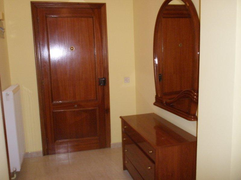 casa montse izquierda, holiday rental in Pimiango
