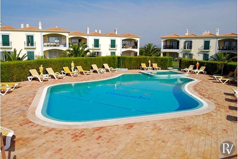 Estombar Apartment Sleeps 4 with Air Con - 5433195, holiday rental in Estombar