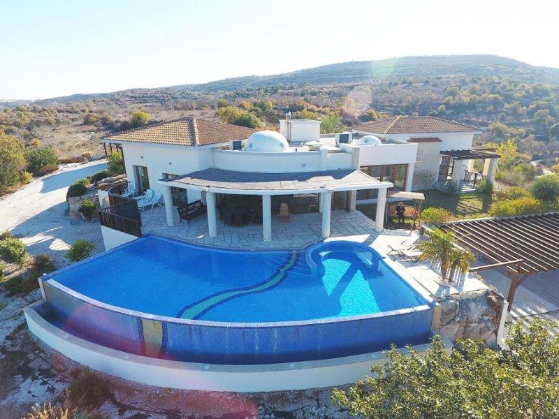 Luxe villa met 4 slaapkamers met een prachtig uitzicht