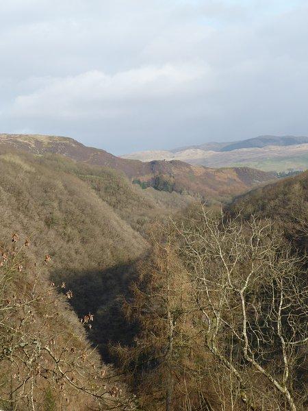 Ansichten aus dem Gelände über die fantastische Schlucht von Devil Bridge