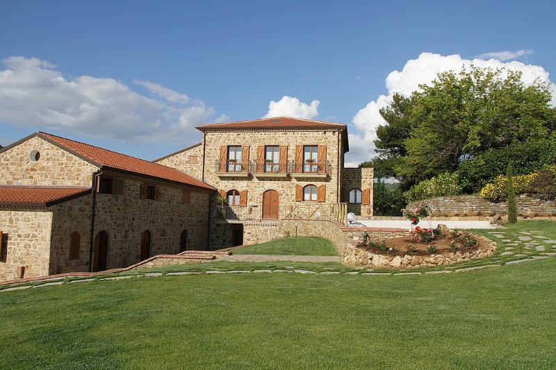 Villa delle Pigne B, holiday rental in Santa Maria di Castellabate