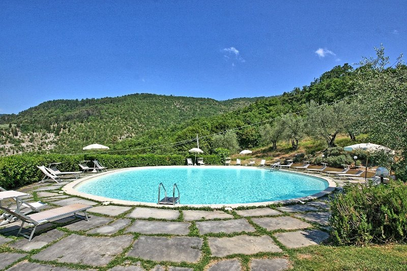 Rufina Apartment Sleeps 6 with Pool - 5241587, vacation rental in Pontassieve