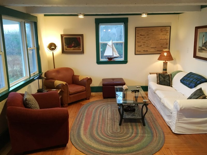Living room at Shipwright's Cottage