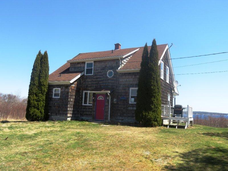Cottage de carpintero de ribera con vista al mar en Gunning Cove, Nueva Escocia