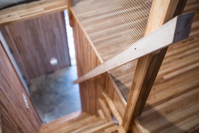 trappan till vinden (B)