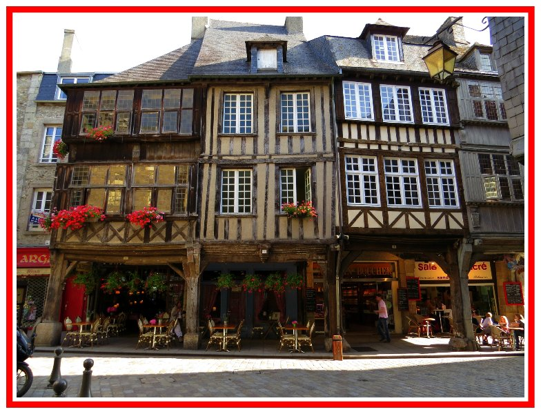 LE GRENIER appartement de charme centre historique Dinan, holiday rental in Lanvallay