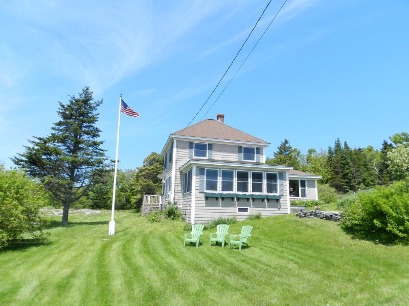 Beautiful Seaside Island Home, holiday rental in Peaks Island