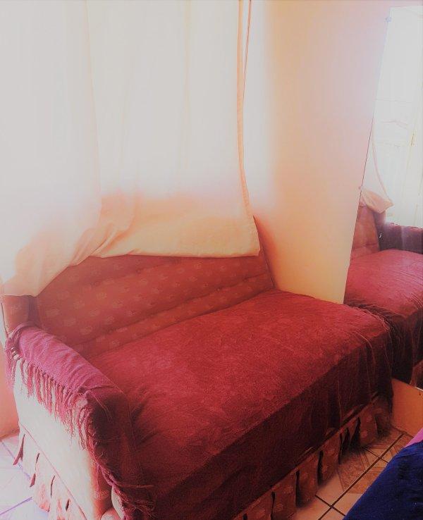 Sofa en el cuarto
